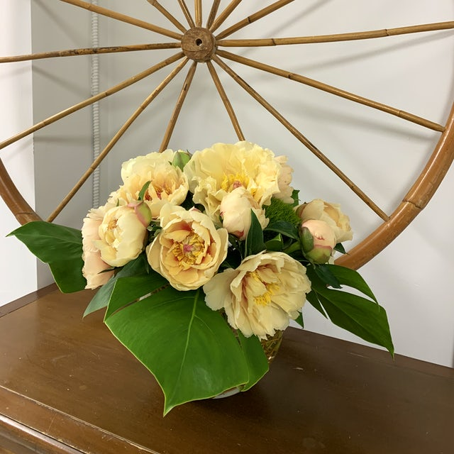 Simple and Elegant Yellow Arrangement Velene's Floral