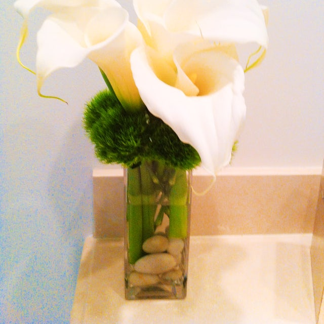 Simple and Delicate Small Arrangement Velene's Floral