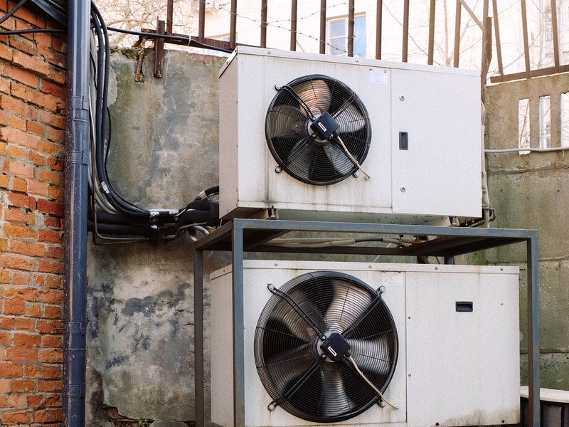 Effective AC maintenance tips to cool your Thailand summers