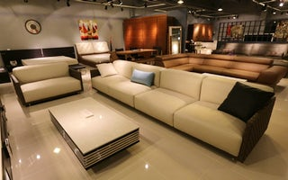 Furniture repair and refinish services in Bangkok
