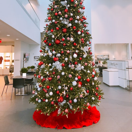 Large Christmas Tree at Car Dealership
