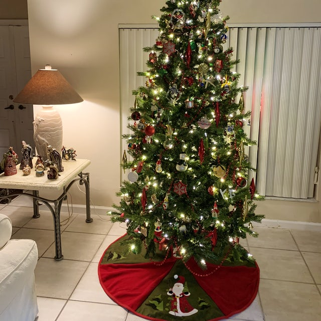 Another Christmas Tree, Comfy at Home! Velene's Floral